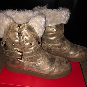Distressed Metallic Gold Guess Fur Boots
